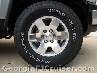 FJ Cruiser - Upgrades - Larger Tires - Picture 2 - Small