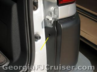FJ Cruiser - 'Factory' Tow Hitch Install - Picture 13 - Small