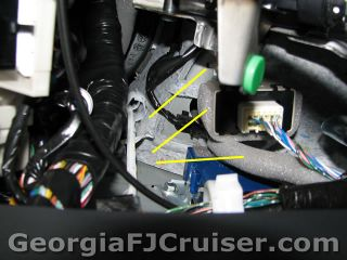 FJ Cruiser - 'Factory' Tow Hitch Install - Picture 17 - Small
